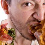 Злоупотребление жирной и жареной пищей