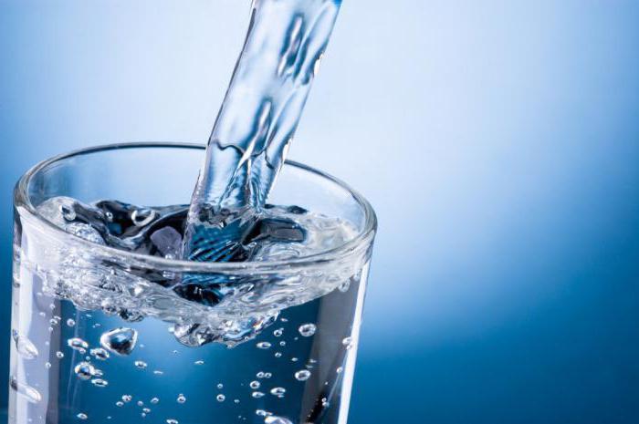 Выпить щелочной минеральной воды
