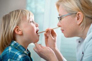 Симптомы и лечение в домашних условиях увулита, причины отекания и опухания небного язычка в горле
