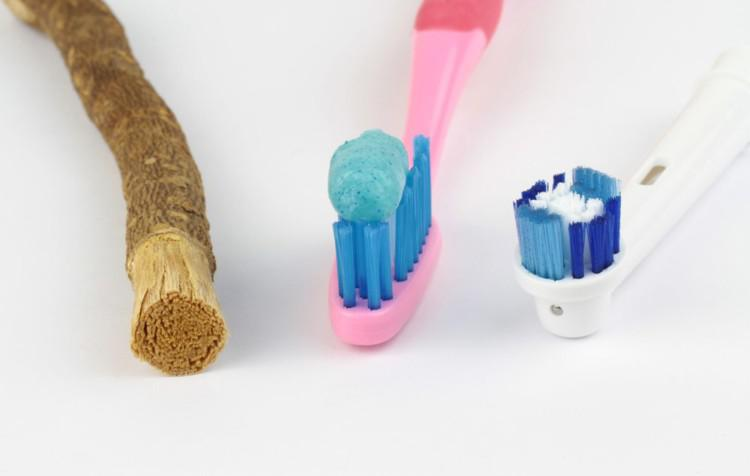 Из истории зубной пасты: когда появилась в России, кто ее изобрел, какими были первые составы?