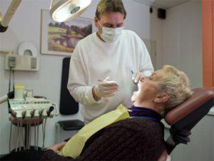 Методика определения центрального соотношения челюстей, в том числе при полном или частичном отсутствии зубов