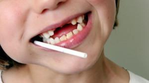 К чему могут снятся детские зубы, если выпали молочные или выросли новые: как сонники толкуют сны о младенцах?