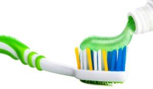 Как часто и сколько по времени нужно чистить зубы взрослым и детям, и что будет, если этого не делать?