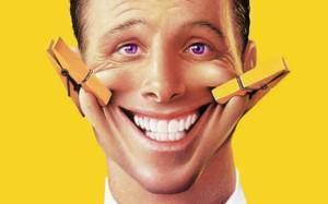 Как научиться правильно улыбаться c зубами, чтобы это выглядело красиво и естественно?