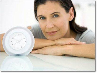 Симптомы и последствия ранней менопаузы (климакса) у женщин, лечение