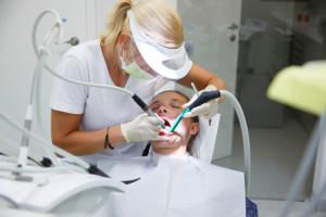 Аппарат Вектор для лечения пародонтоза и чистки зубов в стоматологии: что это такое, каковы недостатки и преимущества?