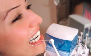 Массаж для десен и аппликации в домашних условиях при заболеваниях (пародонтоз, пародонтит) и после удаления зуба