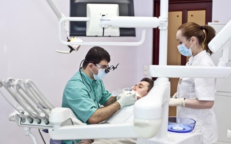 Онкологические заболевания в стоматологии: злокачественные и доброкачественные опухоли челюстно-лицевой области