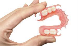 Мягкие гибкие зубные протезы: нейлоновые и силиконовые конструкции с фото до и после протезирования