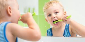 Сколько зубов должно быть у ребенка в 3-4 года, какие зубные единицы лезут в 5 лет?