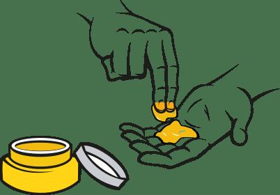 крем наносят на руку