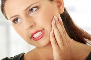 Причины и лечение напряжения в мышцах челюсти: как расслабить мускулатуру с помощью упражнений и физиопроцедур?
