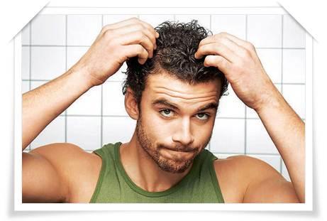 Выпадение волос у мужчин: симптомы, причины, лечение