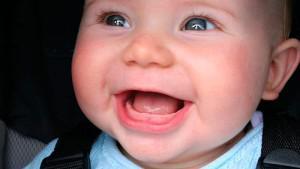 Прорезывание и рост первых зубов у детей: как режутся молочные зубки у грудничков до года порядок и фото